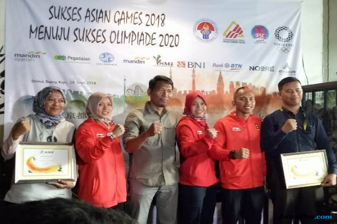 Aspar Jaelolo, Aries Susanti, panjat tebing, Indonesia