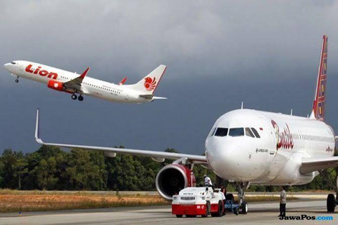 Ban Lion Air Amblas, Pesawat Ditarik ke Landasan Parkir