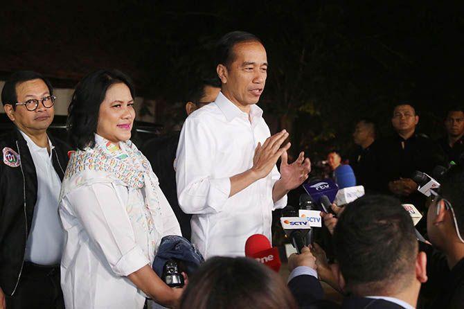 Bantah Prabowo, Jokowi Cerita Tengah Malam Blusukan Bertemu Nelayan