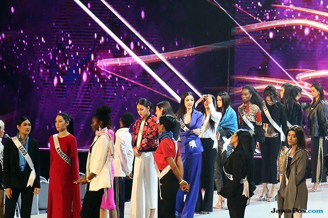 Beri Dukungan, Keluarga Berdatangan Saat Rehearsal Miss Universe 2018