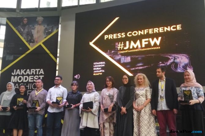 Bertaraf Internasional, 6 Desainer Buka Jakarta Modest Fashion Week