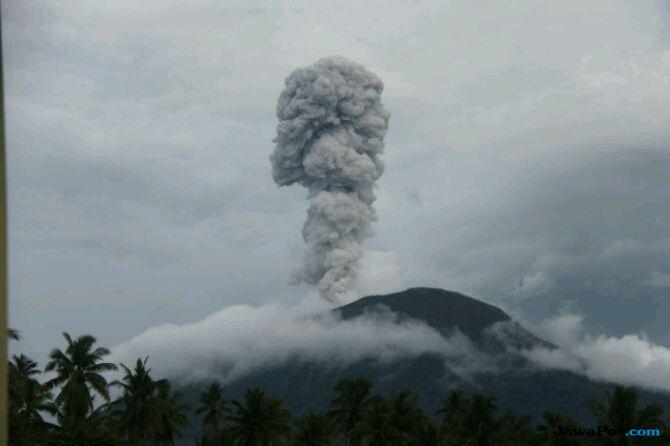 BNPB: Status Gunung Ibu Waspada Level Dua