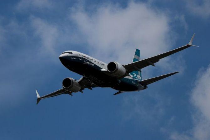 pesawat jatuh, pesawat, kecelakaan pesawat, boeing 737 Max 8,