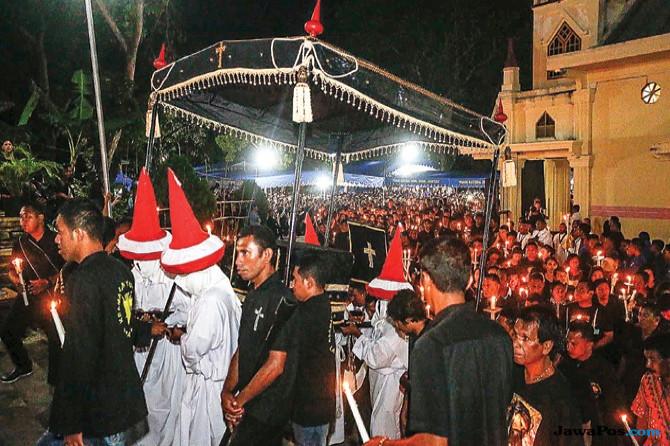 Cerita Ketika Warga Larantuka Merayakan Ritual Semana Santa