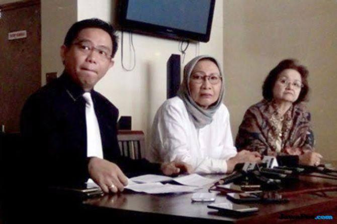 Cerita Ratna Diduga Jatuhkan Jokowi, Prabowo dan Sandiaga Dipolisikan