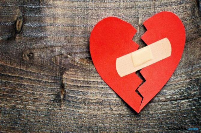 cinta ditolak, cinta, tinja, singapura,