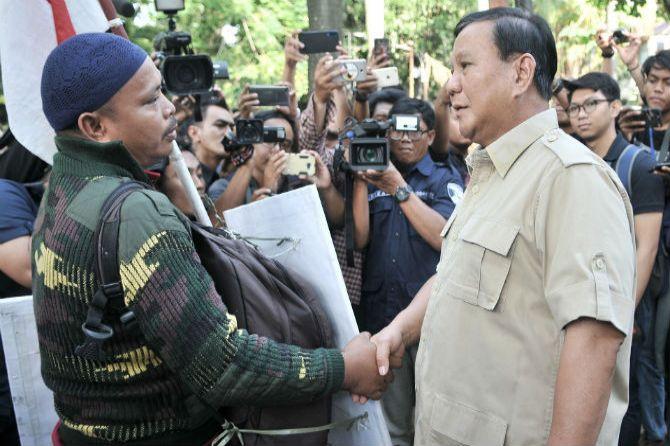 Debat Soal Pangan, Prabowo Diprediksi Tembak 2 Peluru Ini ke Jokowi