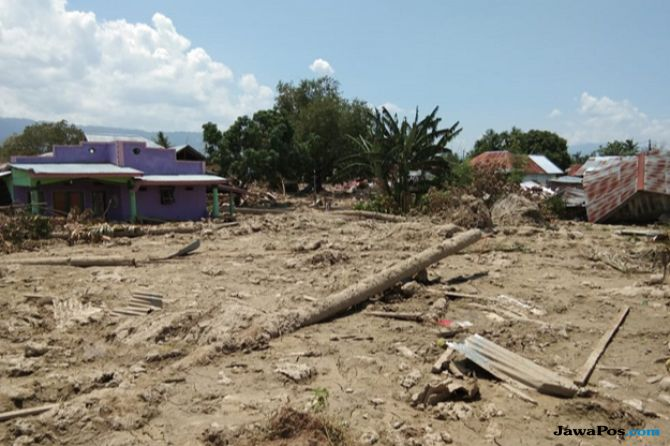 Diperkirakan Tertimbun Tanah, 300 Orang di Sigi Belum Ditemukan