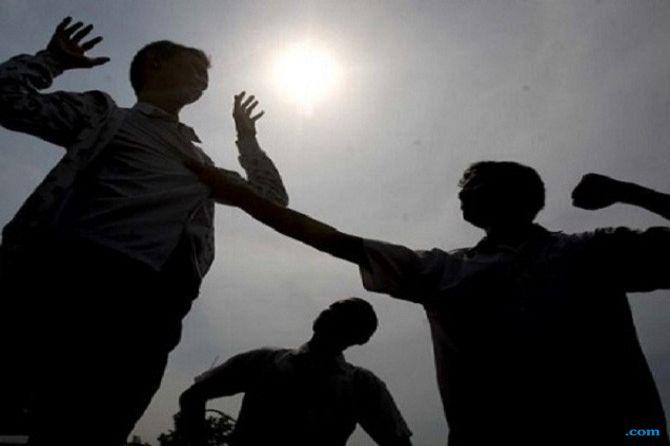 Dua Kelompok Anak Muda Tawuran di Dekat Istana Negara