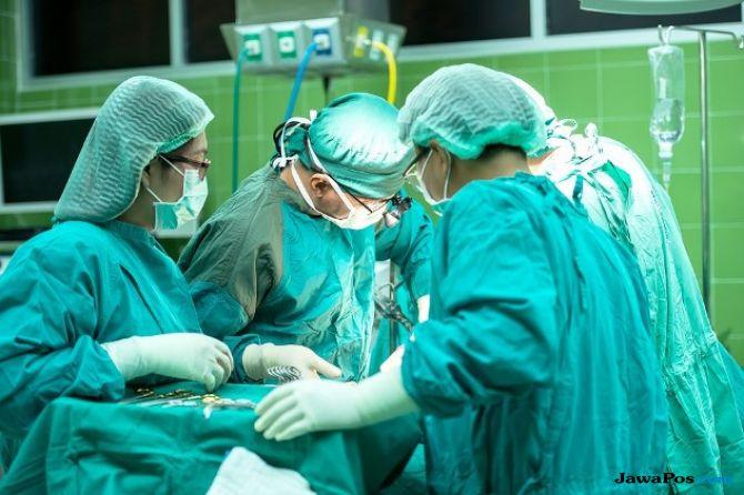 Empat Kali Operasi Pasiennya, Dokter Hamil Ini Mau Pingsan