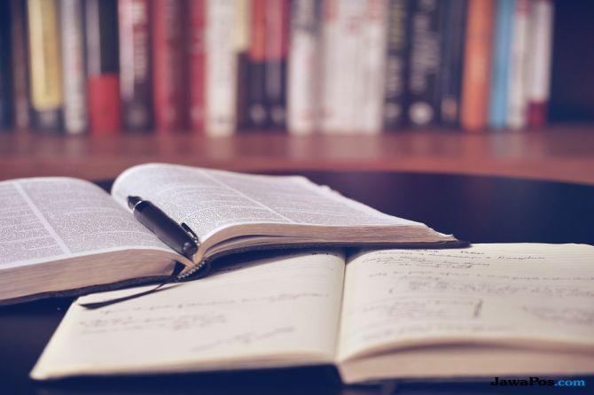 gadis kecil, tiongkok, membaca,