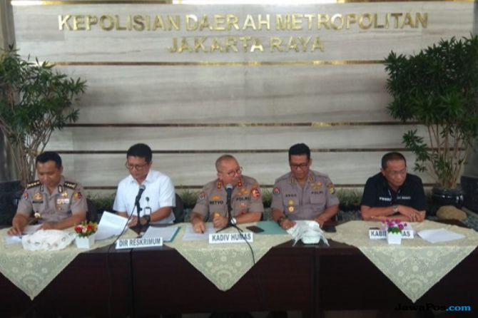 Fadli Zon dipolisikan karena kabar pengeroyokan Ratna Sarumpaet.