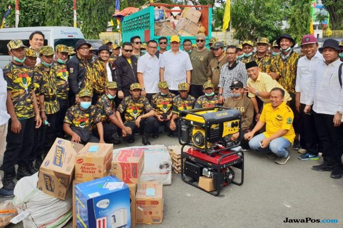 Golkar Serahkan Langsung Bantuan Korban Gempa dan Tsunami Sulteng