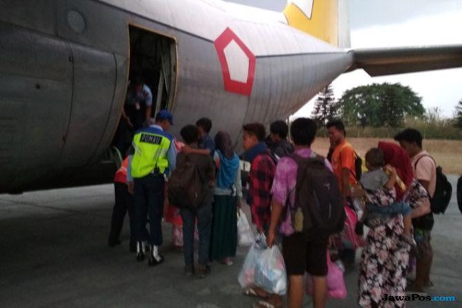 Gunakan Hercules, TNI AU Evakuasi 1.000 Pengungsi dari Sulteng