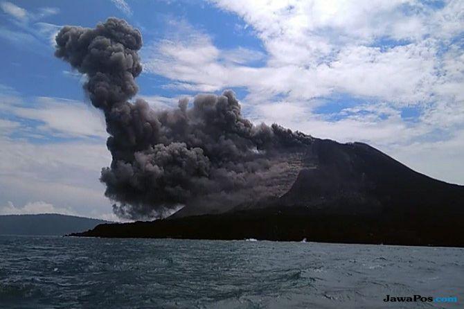 Gunung Anak Krakatau Erupsi, Tinggi Semburan Abunya Seribu Meter