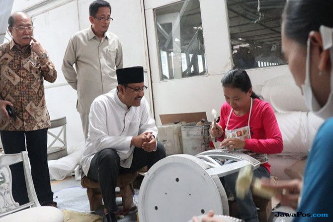 Gus Ipul Siap Perluas Pasar Ekspor Mebel ke Luar Negeri