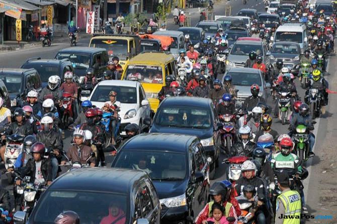 Hari Kedua Lebaran, Kemacetan Terjadi di Jalur Puncak