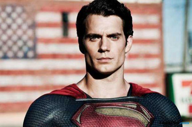 Henry Cavill Tinggalkan DC Universe, Superman Tak Lagi Diproduksi?