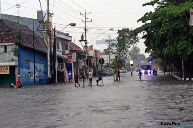 Semarang Dikepung Banjir