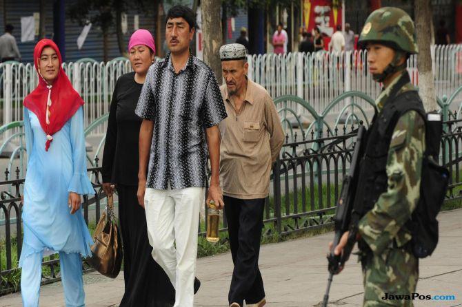 muslim uighur, uighur, tiongkok,