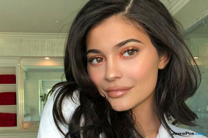 Ingin Hilangkan Filler Bibir Seperti Kylie Jenner? Simak Penjelasannya