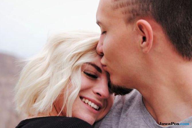 Jaga Hubungan Tetap Harmonis, Lakukan 7 Hal Ini ke Pasangan