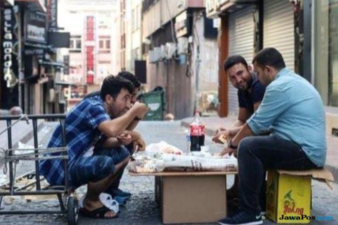 Jalani Pernikahan Bayaran, Pria Syria Bertahan Hidup di Pengungsian