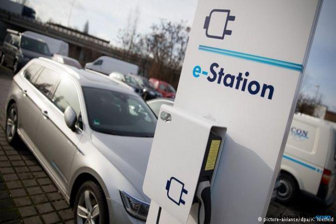 baterai listrik, mobil listrik, stasiun listrik,