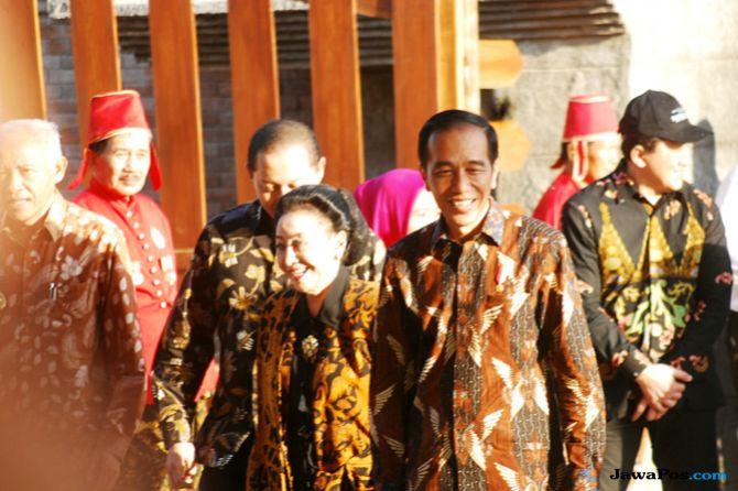 Jokowi Apresiasi Perempuan Berumur 90 Tahun Ini