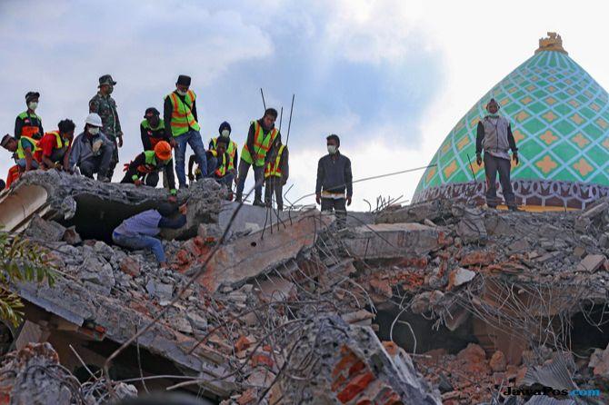 Jokowi Siapkan Inpres soal Penanganan Bencana Gempa di Lombok
