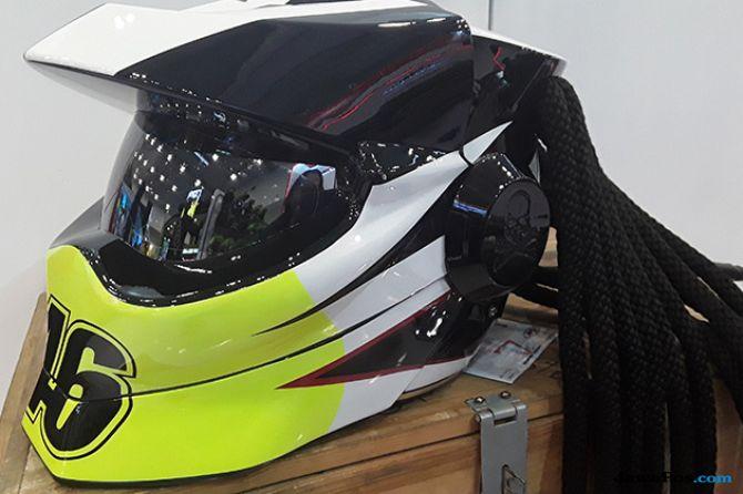 JPX Predator Bikin Biker Tampil Sangar Ala Alien