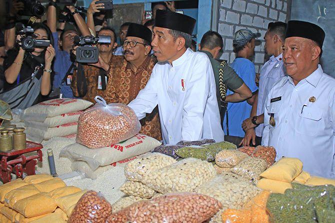 Kagetnya Jokowi ketika Dikasih Tahu oleh CT soal Harga Avtur Mahal