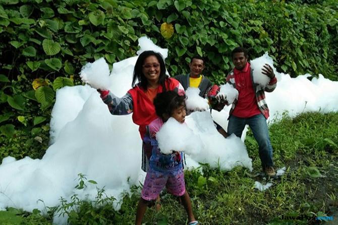 Kampung Ini Rusak Akibat Hujan Es dan Puting Beliung