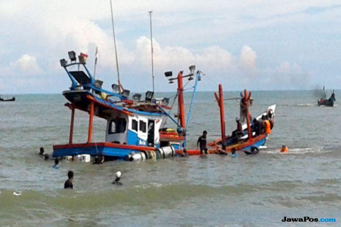 Kapal Pompong Ditabrak Tanker, Satu Orang Hilang