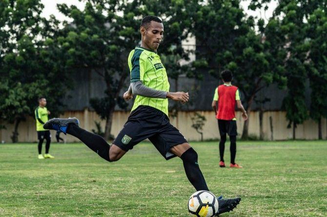 Ruben Sanadi, Persebaya Surabaya, Persidago Gorontalo