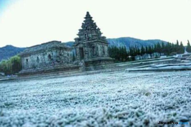 Kawasan Pegunungan Dieng Sempat Alami Hujan Es