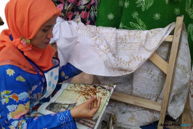 Kenalkan Tanaman Langka Melalui Motif Batik