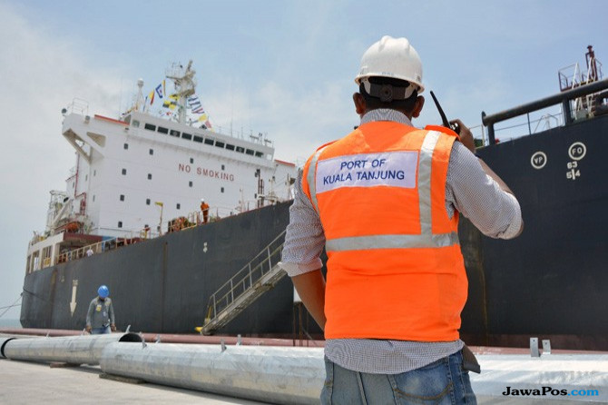 Keren, Pelabuhan Kuala Tanjung Bisa Terima Kapal 183 Meter Bersandar
