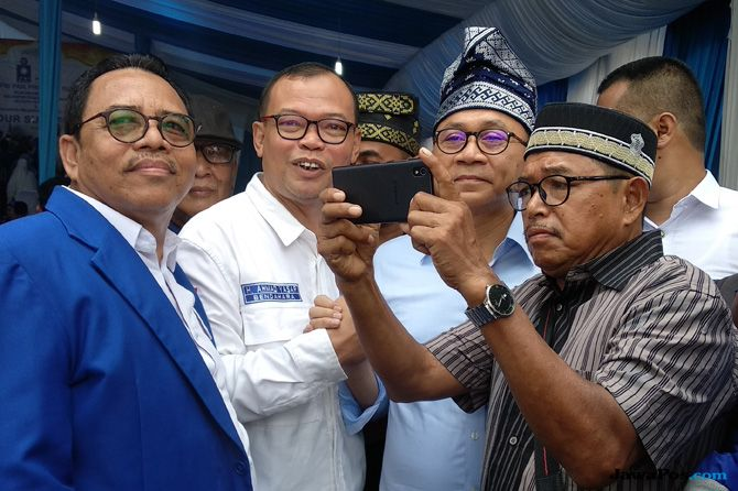 Ketua PAN Riau Dukung Jokowi, Zulhas Komentar Begini