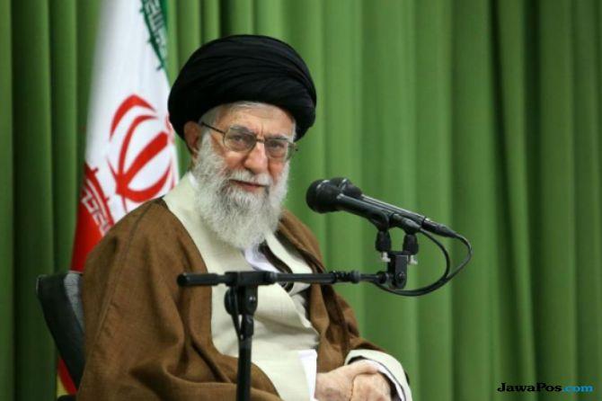 Khamenei Salahkan Rouhani