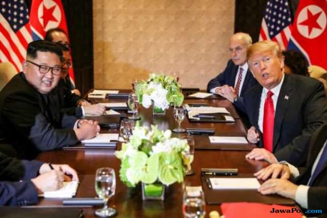 Kim Jong Un Undang Trump ke Korut Juli Mendatang