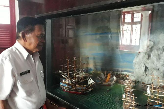 Kisah Abi Penjaga Museum SMB II Palembang yang Jago Berbahasa Inggris