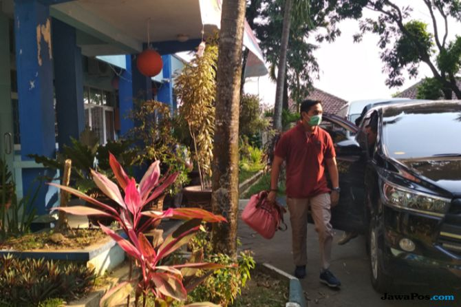 KPK Geledah Dinkes Kabupaten Malang Selama Tiga Jam