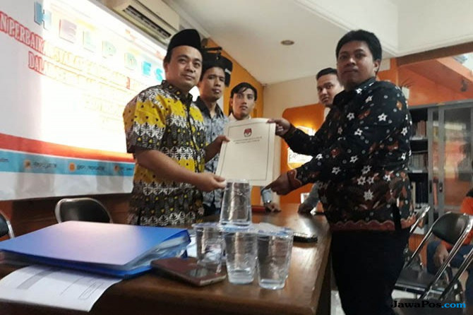 KPU Jatim Nyatakan Berkas Khofifah-Emil Lengkap