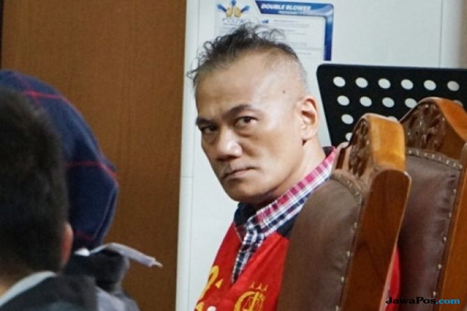 Kuasa Hukum Tio Pakusadewo Kukuh Minta Rehab