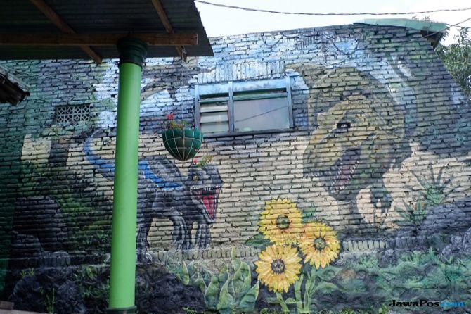 Mahasiswa UMM Sulap Kampung Jadi 'Sarang Dinosaurus'