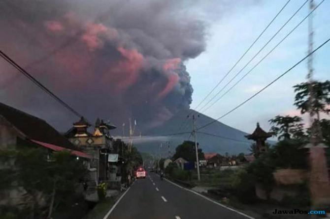 Masyarakat Diimbau Tak Dekati Gunung Agung Radius 4 KM