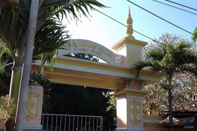 Melongok Makam Keramat Loang Baloq dan Ritual Peziarahnya