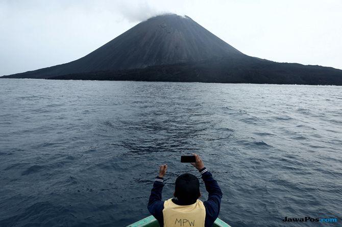Mengagumi Krakatau dari Jarak Aman, Surga di 'Gerbang Neraka'