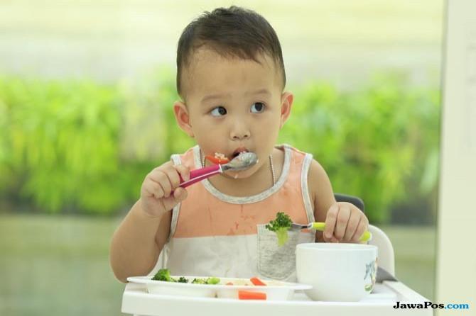 Mengenal BLW, Metode Makan yang Digunakan Andien untuk si Buah Hati